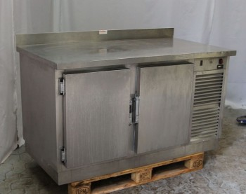Stainless steel cooling table